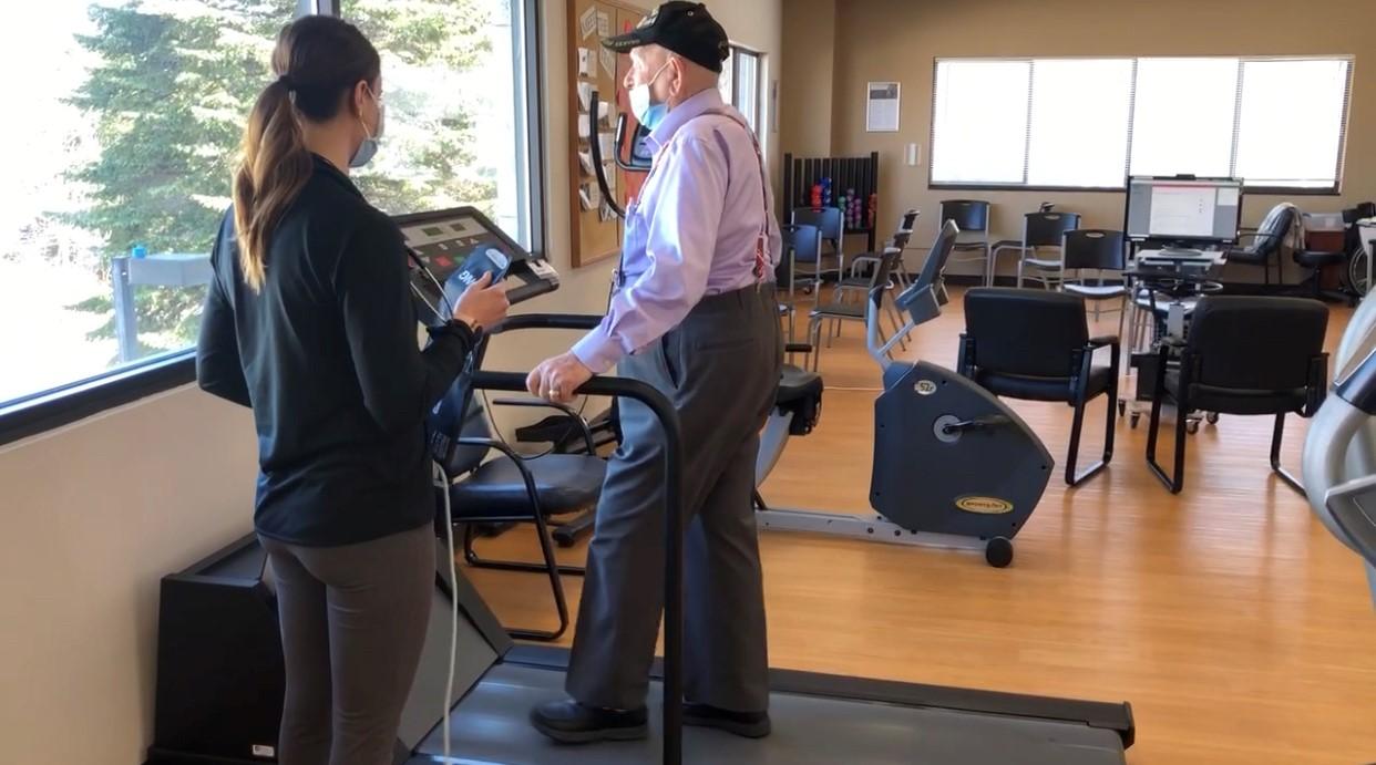 photo-of-donald-on-treadmill