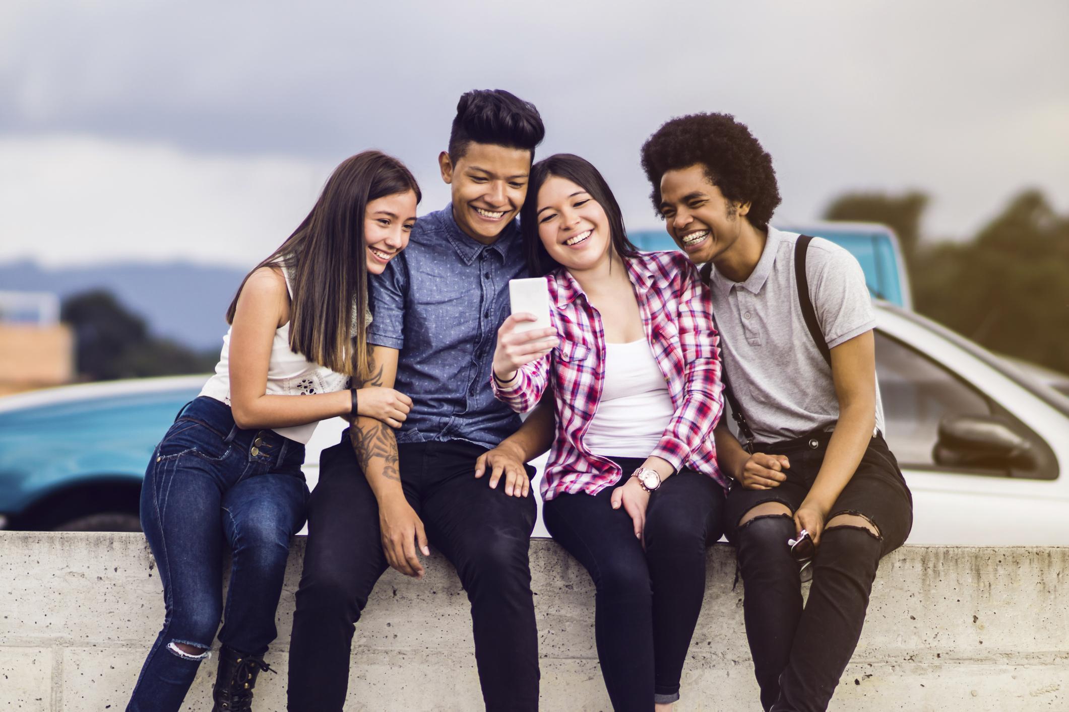 young hispanic population united states tech-savvy