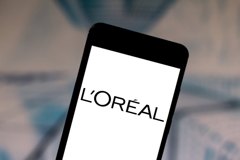 Shutterstock_1430260025 In this photo illustration the L'Oréal (LOreal) logo is displayed on a smartphone.