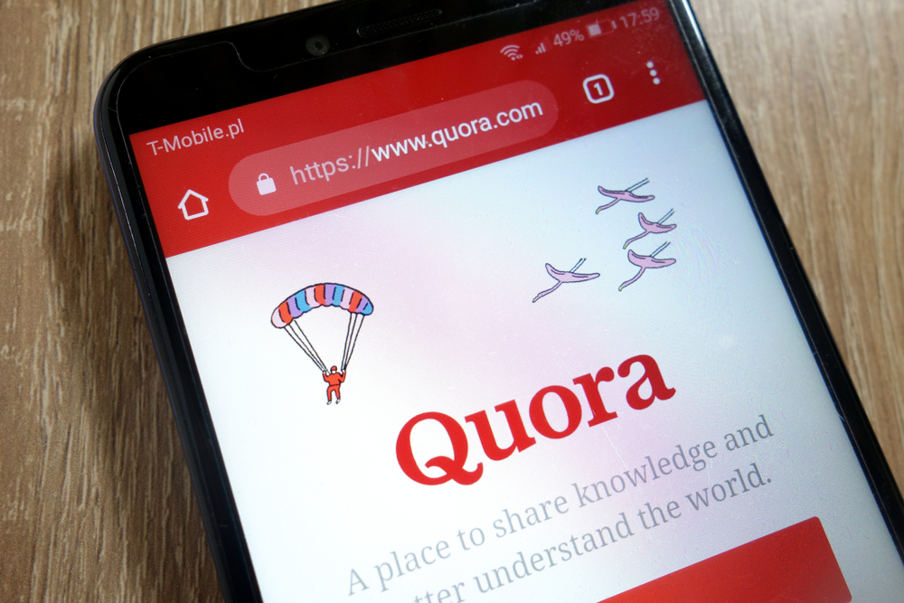 Shutterstock_1282131577 Quora website (www.quora.com) displayed on smartphone