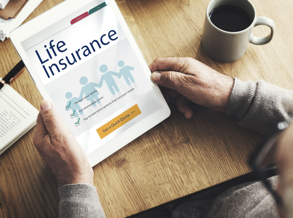 Shutterstock_551101630 Life Insurance Health Protection Concept