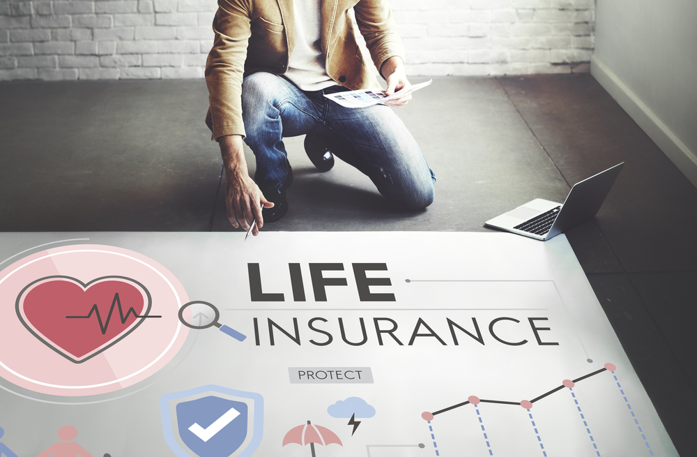Shutterstock_424672825 Life Insurance Protection Beneficiary Safeguard Concept