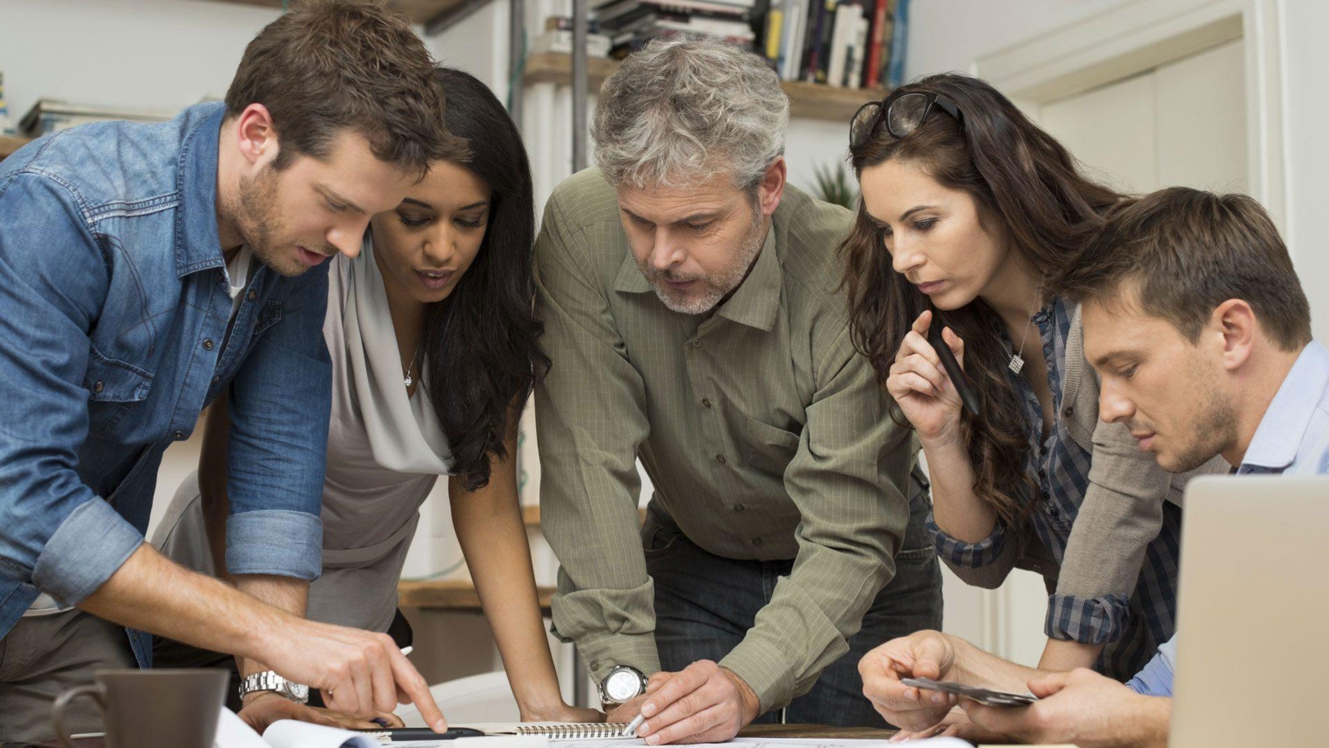 image team brainstorming