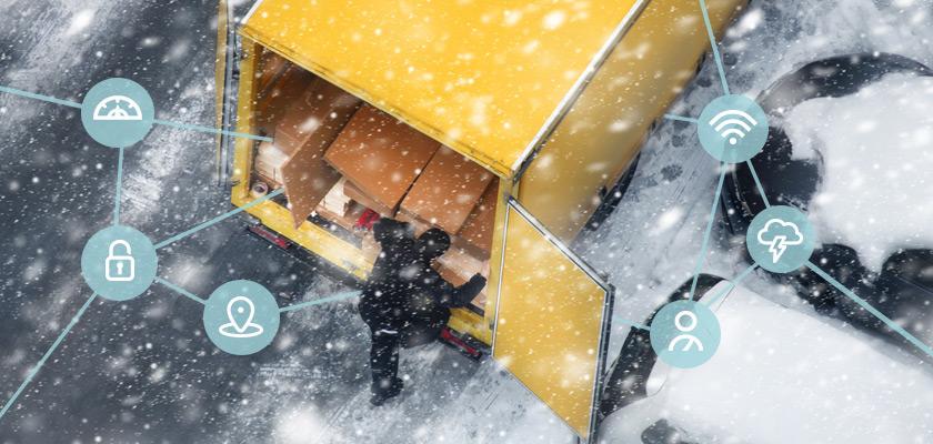 Icônes superposées sur une image d'un homme qui déballe du bois d'un camion