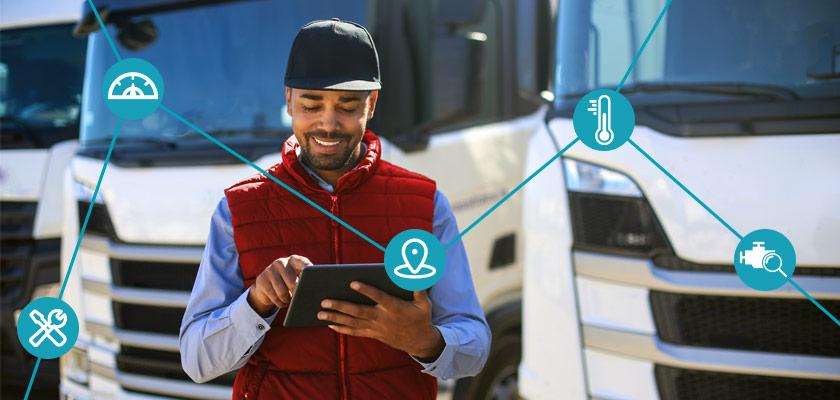 Un homme utilisant un iPad