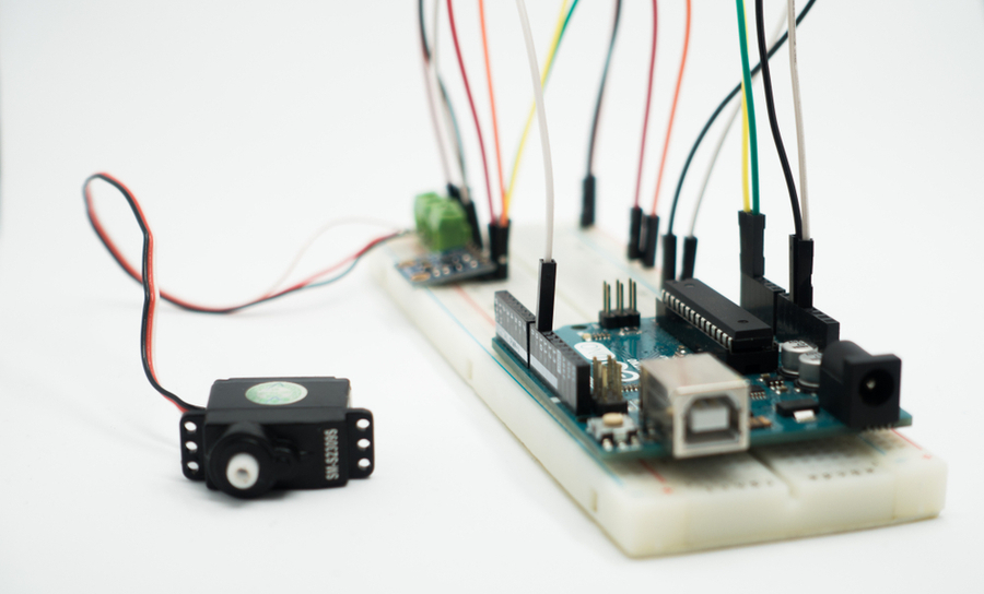 Electronic prototype on an evaluation board