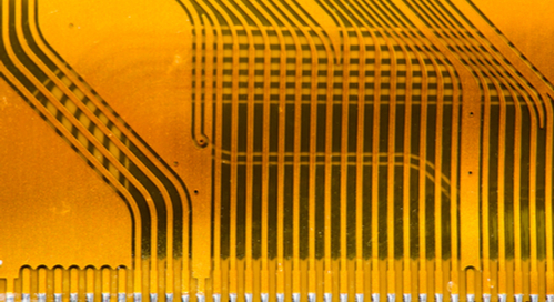 Traces in parallel on a flex cable