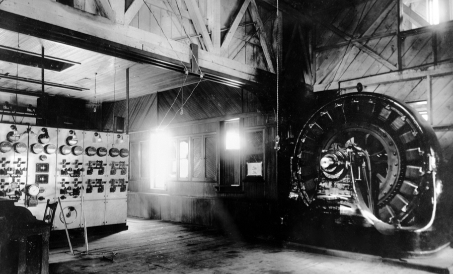 Photograph of the Westinghouse AC generator