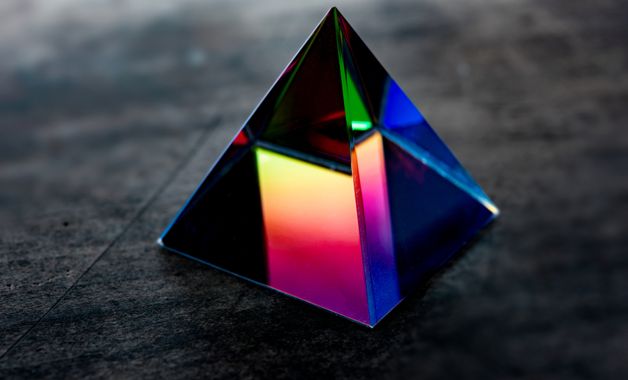 Prism for refracting light