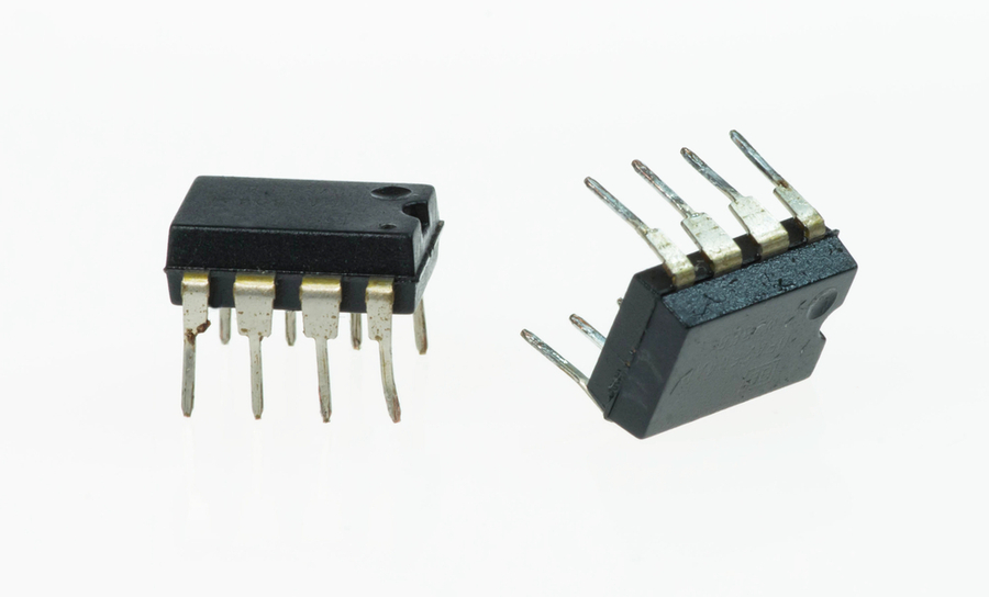 CMOS differential amplifier ICs