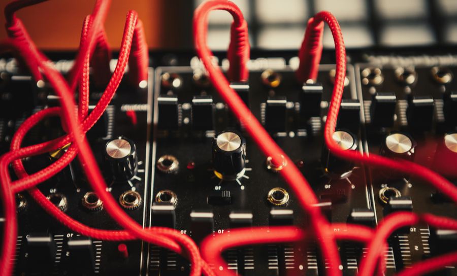 Cords and acoustic impedance on a mixer board