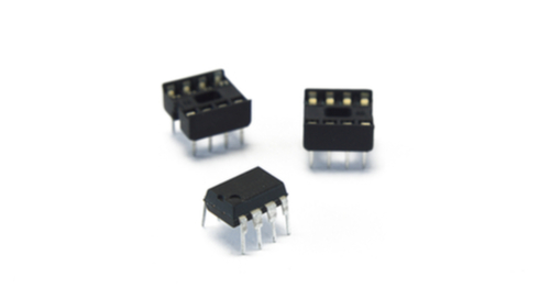 555 timer IC for bistable multivibrator circuit