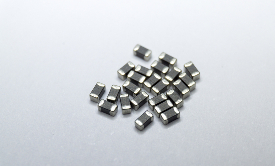 Thin-film resistor components