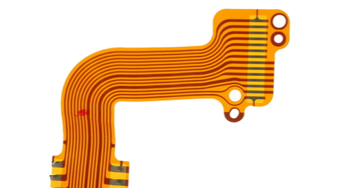 Curved traces routed on a flexible printed circuit board