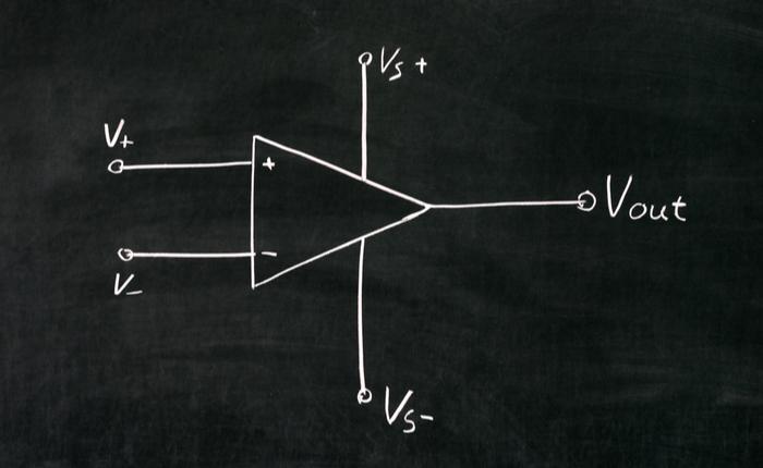 Blackboard sketch of an amplifier circuit
