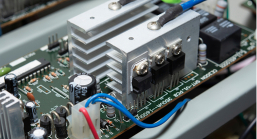 32-bit microcontroller power supply with large heatsinks