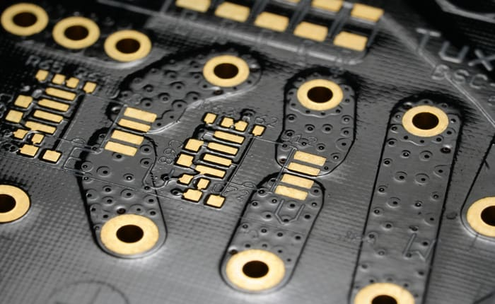 PCB effective thermal conductivity increases with thermal vias
