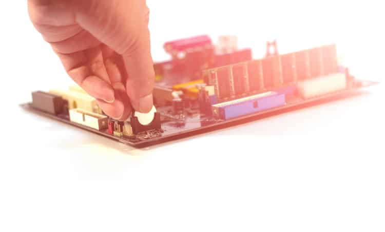 Placing a battery into a PCB