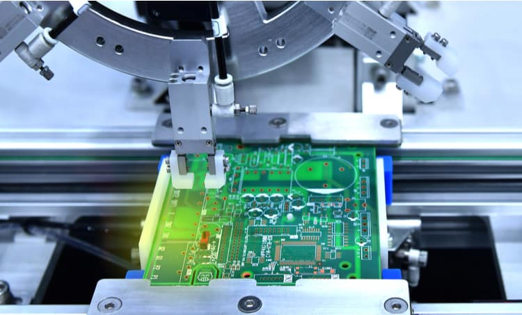 PCB tooling holes