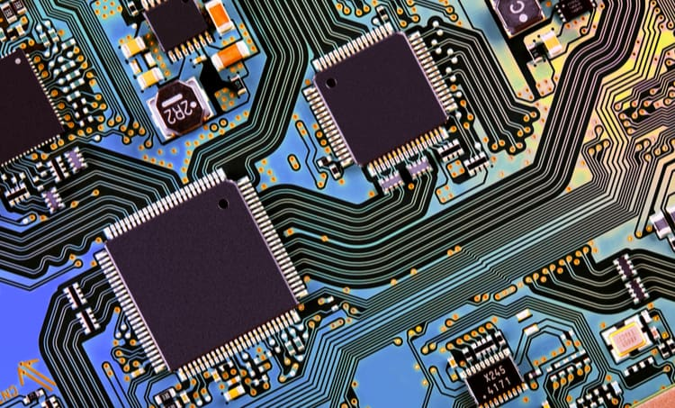Differential pair routing for PCB impedance control