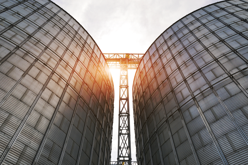 silos in the finance department - building