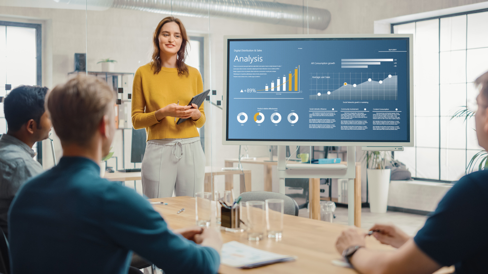 accountant storyteller holding a meeting with data on screen