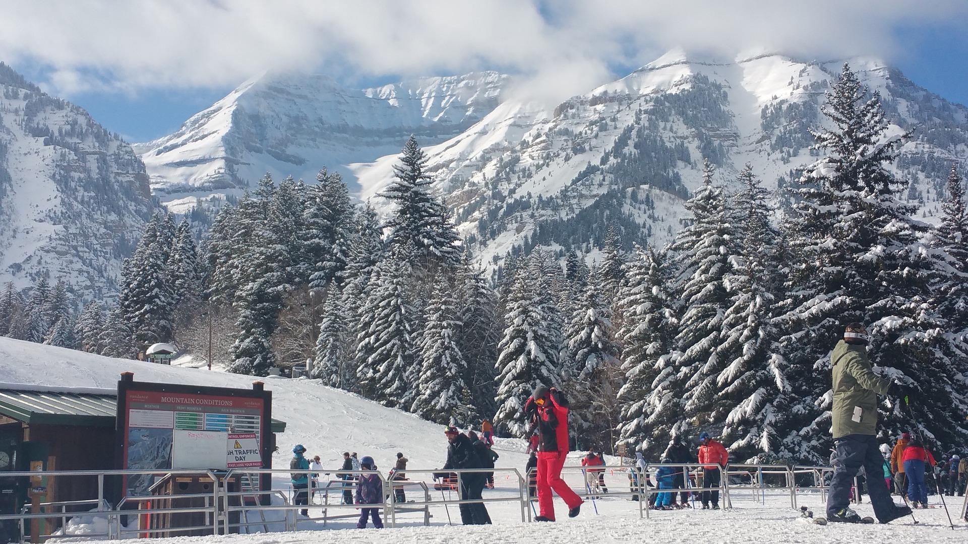 Image of a ski lift at Sundance Ski Resort in Utah   TAB Bank
