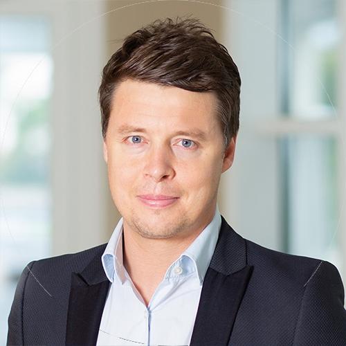 Photo of Adam Howe — Heidrick Consulting