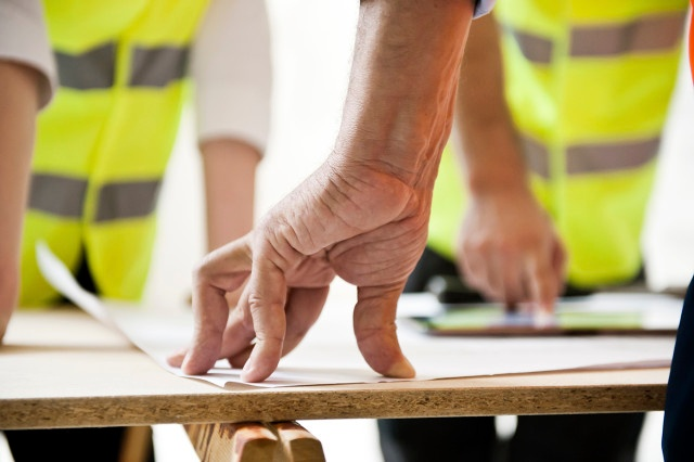 Construction Apps Help Engineers Review Plans