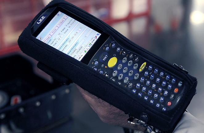 warehouse barcode reader displays item details