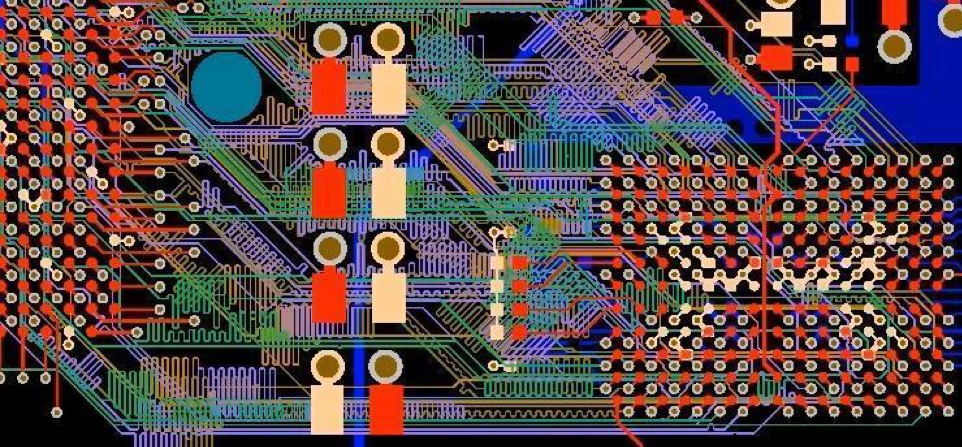 Piano di massa di un PCB in Altium Designer