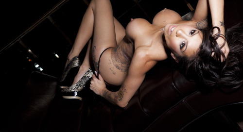 @XxAsiaKphoto shoot for@rhinoclubs
