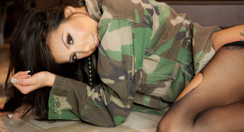 @xXasiaK samples from our shoot coming soon @therhinolv
