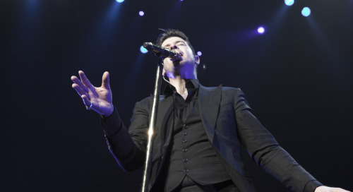 @robinthicke live last night @pearlatpalms sample for coming in...
