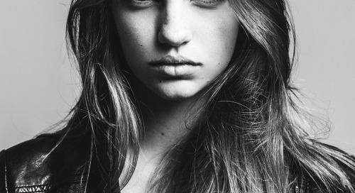 theclassyissue:  Olivia by Nando Esparza  #sexygirls