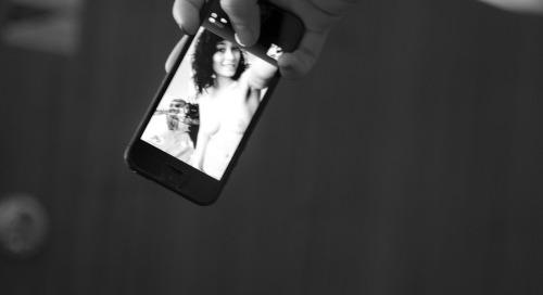 Shooting selfie of me shooting @ravenrockette...