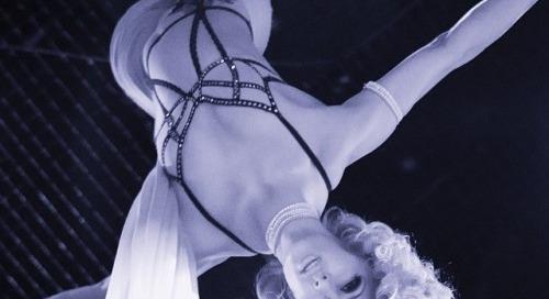 @sexxyshowlv in new @striplv1 by @santodonato06