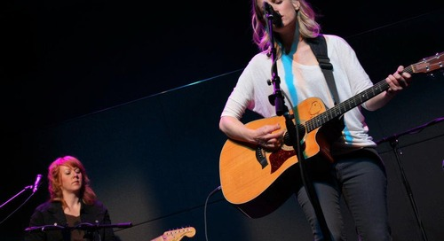 Music Review: Katie Herzig on the PlayLive Stage 5/9