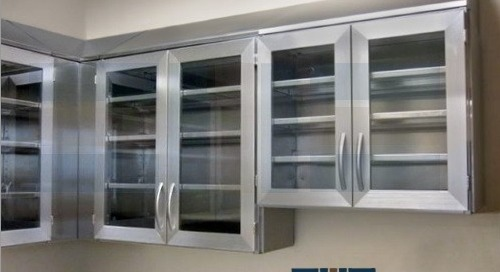 Stainless Steel Wall Cabinets & Worktables for Sterile Storage