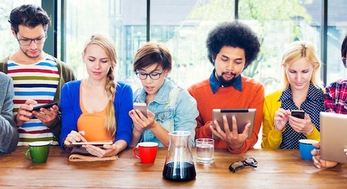 7 Behaviors That Reveal Our Obsession With Technology