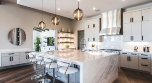 Kitchen Pendant Lighting Reinforces Minimal Aesthetic in Austin Home