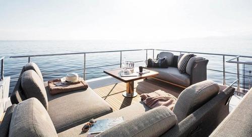 St Regis Maldives Offers Guests a 20m Luxury Yacht