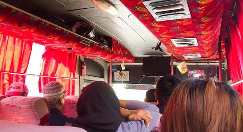 Perjuangan Penuh Drama Menuju Kampoeng Jazz 2018 di Bandung; Lari-Lari Mengejar Bus, Ngompol di Celana? Ewh!