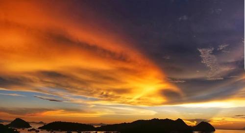 Labuan Bajo punya sunset terindah di Dunia.