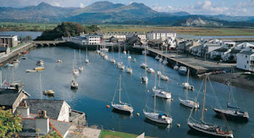 The Harboring Town of  Porthmadog