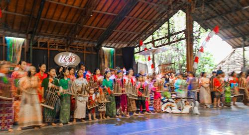 Saung Angklung Mang Udjo: Melebihi Ekspektasi!
