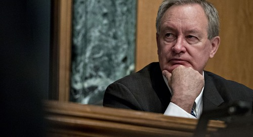 Bipartisan Bank-Relief Bill Wins Approval From Senate Panel