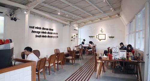 Diskus Cafe & Bites : Cafenya Mahasiswa banget, Nyaman dan Instagenic
