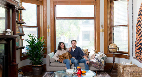 A Watercolorist Creates in a Cozy Chicago Apartment — House Tour