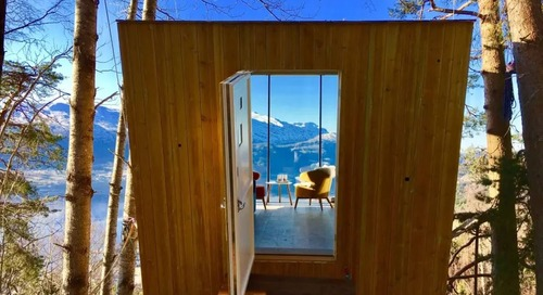 This Tiny Norwegian Tree House Is a Minimalist's Dream Come True